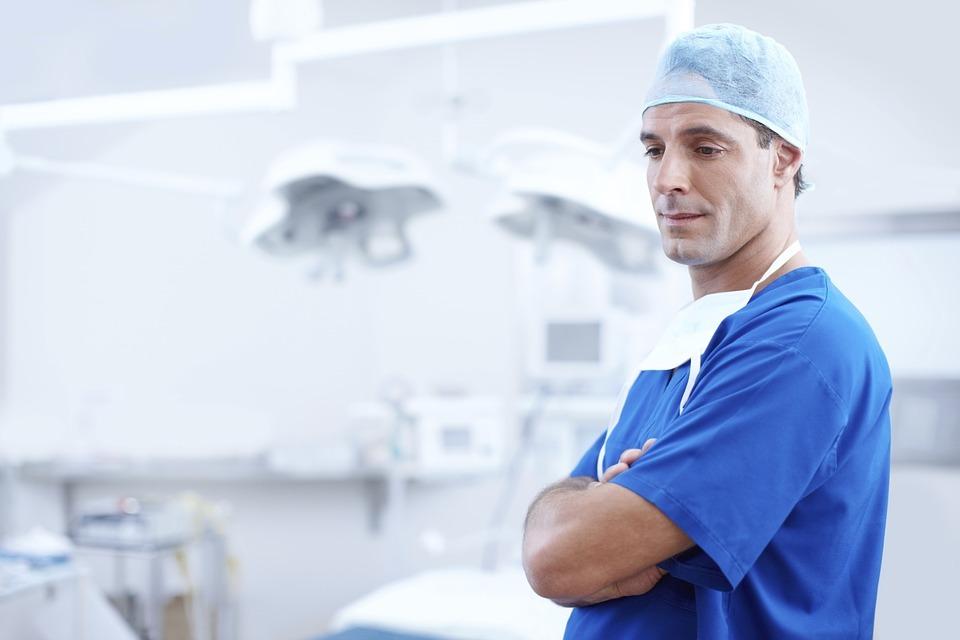 Kórházi nyilvántartó szoftver UI és UX design, programozás